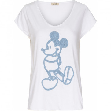 Marta du Chateau   Tee i White w Mickey